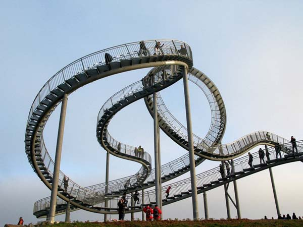 High Tech Roller Coasters that are really cool / Wyatt Design